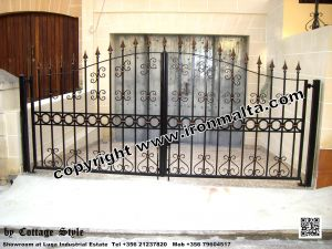 Drive In - Entry Gates - Big Gates Malta wrought iron art metal work works galvanized paint modern contemporary traditional facade white black grey color 019