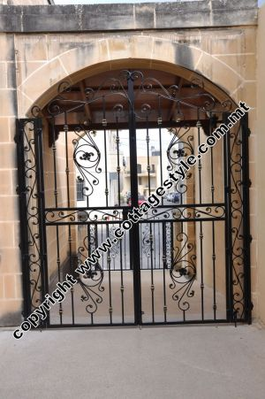 20 www.cottagestyle.com.mt wrought iron gates (new update1.2012).jpg